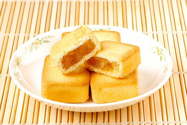 Taiwan-famous-dessert---pineapple-cake-(2)