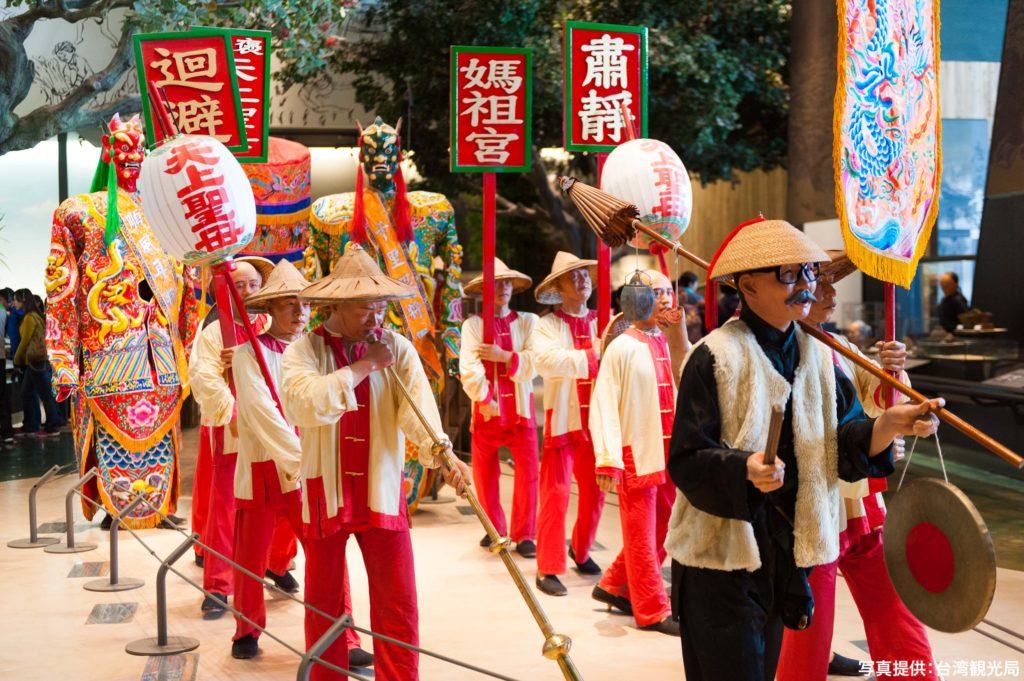 常設展で台湾各地の風俗などを展示する模型は実物大で圧巻