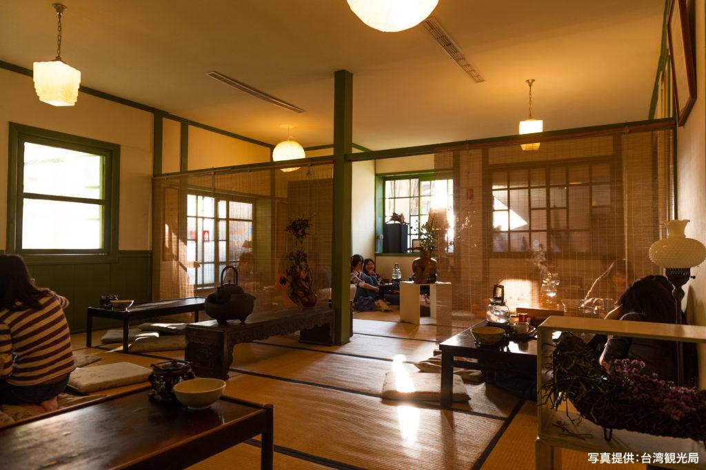 お茶をいただけるお部屋の一つ、紫緣廳は、日本統治時代の軍人宿舎の様子を最も留めているお部屋